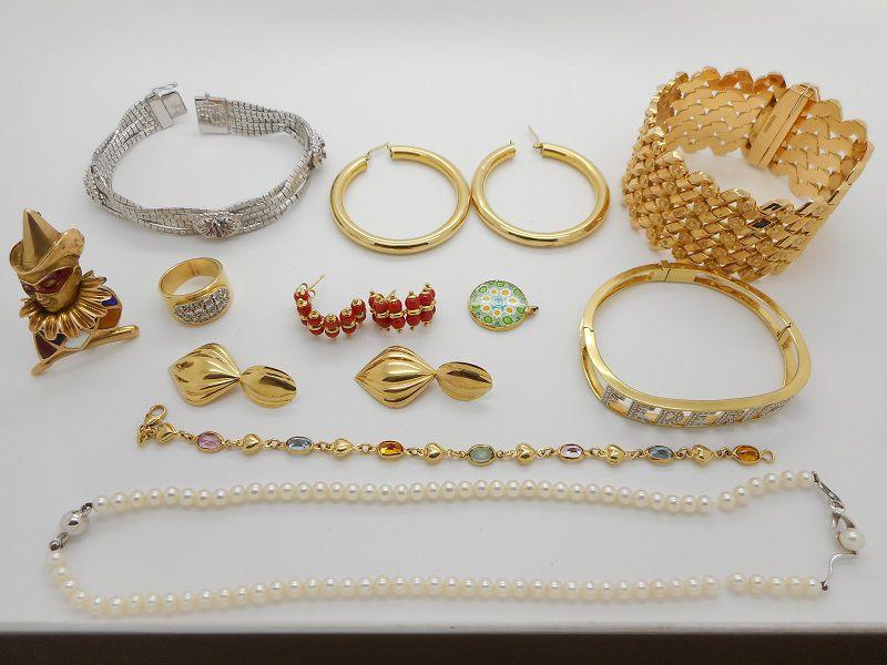 Esempi di gioielleria vintage on più rivendibile e destinata a fusione