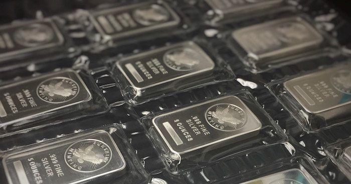 dc8af89e6a Nonostante il suo valore ballerino nei secoli, gli investitori non hanno  mai smesso di guardare con attenzione alla preziosità dell'argento.